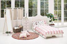 大人可愛いシャビースタイルなキャビネット 幅100cm:アンティーク&クラシック,シャビーシック&エレガント,ホワイト系,Home's Style(ホームズスタイル)のキャビネットの画像
