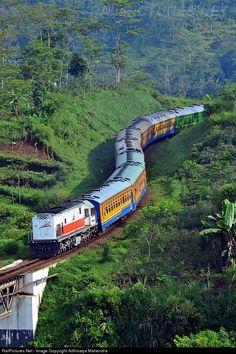 Kahuripan heading to Kiaracondong via north line  » Kab. Bandung Barat, Philippines