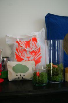 sac, trousse, coussins, vases...