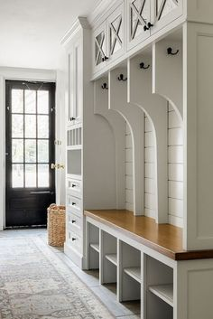 Smart Mudroom Ideas to Enhance Your Home MUDROOM IDEAS The mudroom is a very crucial part of your house. Mudroom allows you to keep your entire home clean and tidy. Mud room or you can call Mudroom Storage Bench, Mudroom Laundry Room, Garage Storage, Mud Room Lockers, Mudroom Cubbies, Mudroom Cabinets, Gray Cabinets, Entryway Storage, Laundry Area