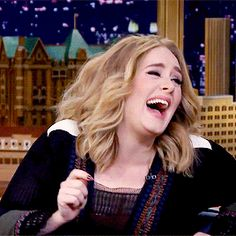 Holy crap that was hilarious I didn't see that coming Adele 21, Adele Funny, Adele Instagram, Adele Photos, Adele Concert, Sweetest Devotion, Adele Adkins, Demi Lovato Pictures, Her Smile
