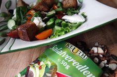 Filine: Mediterraner Brotsalat, Salatveredler und Büffelmo...