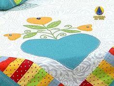 TOALHA QUADRADA COM BARRADO DUPLO- MARTA FARIA- PROGRAMA SABOR DE VIDA 14/10/2013 Applique Patterns, Patches, Kids Rugs, Diy Crafts, Quilts, Sewing, Youtube, Patch Aplique, Patchwork Kitchen