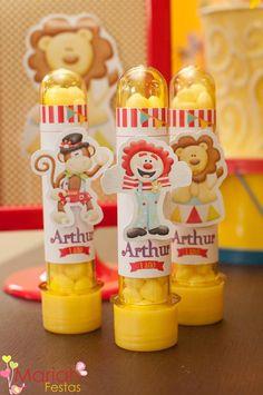 E esse foi o espetáculo do pequeno Arthur...   Apaixonada por esse tema... O circo nunca sai de moda.     Confira mais fotos em nossa pági...
