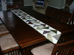 Simple 9 patch table runner The Amateur Quilter: Scrappy Days Are Here Again... and a Ton of Stuff!!!