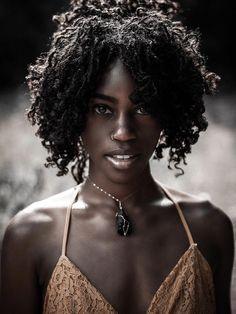Beauty, black girl magic, beautiful dark skinned women, beautiful b Beautiful Dark Skinned Women, My Black Is Beautiful, Beautiful Women, Black Women Art, Black Girls, 3d Foto, Dark Skin Girls, Dark Skin Beauty, Ebony Beauty