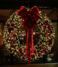 Wreath with lights - inspiration for big front window