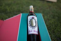 Tinto Alegría como aquello que le da sentido y proporción a nuestra vida, un vino con carácter bien definido, pero de espíritu alegre.