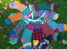 Free knitting pattern from Cascade. Ravelry: Cascade Christmas Stocking pattern by Marji LaFreniere Christmas Stocking Pattern, Knitted Christmas Stockings, Christmas Knitting Patterns, Knitting Patterns Free, Free Knitting, Free Pattern, Sock Knitting, Xmas Stockings, Knitting Videos