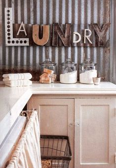 http://www.echopaul.com/pinterest-program.html DIY Projects with Letters • Lot's of easy tutorials, including this DIY photo collage letter project by 'House on the Way'! More