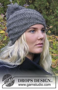 """Knitted DROPS hat with spiral pattern in """"Nepal"""" and """"Kid-Silk"""" with . : Knitted DROPS hat with spiral pattern in """"Nepal"""" and """"Kid-Silk"""" with Pompon ~ DROPS design Knitting Patterns Free Dog, Loom Knitting, Free Knitting, Free Crochet, Crochet Patterns, Free Pattern, Cowl Patterns, Knitted Hats, Crochet Hats"""