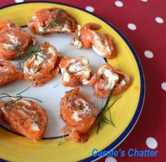 Carole's Chatter: Salmon Bites – Messy Finger Food Party Finger Foods, Snacks Für Party, Finger Food Appetizers, Appetizers For Party, Appetizer Recipes, Snack Recipes, Cooking Recipes, Healthy Recipes, Food To Go
