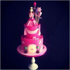 Princess Castle cake - by femcakes @ CakesDecor.com - cake decorating website
