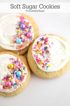 This sugar cookie recipe is easy and gives your soft sugar cookies. These delicious tasting sugar cookies will be the answer to EVERYTHING. sugar cookies are the answer. Soft Sugar Cookie Recipe, Cinnamon Sugar Cookies, Easy Sugar Cookies, Cut Out Cookies, Cookie Recipes, Spritz Cookies, Sweets Recipes, Graham Cracker Cookies, Unicorn Cookies