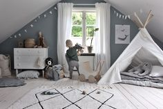 This #toddler room has got to be one of my faves. Definitely taking notes for when we move!