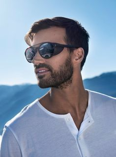 The Leandro Glacier with its genuine side shields will offer great protection for mountain activities while the Leandro with shields removed, will be perfect for après-ski and summer activities. A new model that will go along with you every time and everywhere with Polarized 555nm lens. Sunglasses Serengeti Leandro Glacier #serengeti https://lenshop.eu/manufacturers/11542-serengeti/sunglasses