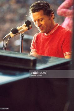 Jerry Lee Lewis performs on stage at the London Rock'n'Roll Show, Wembley, London, 5th August 1972.