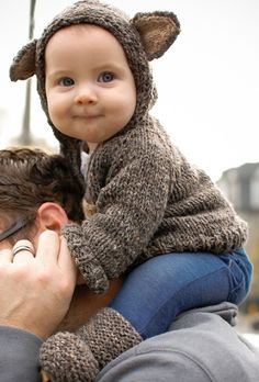 Unique baby names are exceptional by nature. Find the best unique baby girl names that are rare and uncommon. Fashion Kids, Dark Fashion, Toddler Fashion, Little Babies, Cute Babies, Bear Hoodie, Bear Jacket, Hooded Jacket, Unique Baby Names