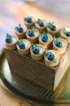 little blueberries fruit tart wedding dessert, spring wedding food ideas Fancy Desserts, Köstliche Desserts, Wedding Desserts, Dessert Recipes, Budget Desserts, Wedding Snacks, Wedding Parties, Wedding Ideas, Plated Desserts