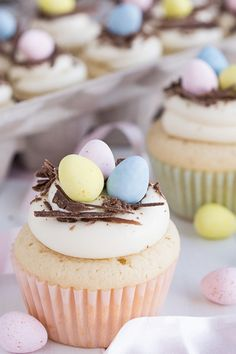 White Chocolate Easter Egg Cupcakes | Garnish and Glaze