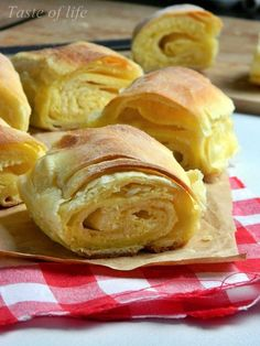 Taste of life: Zorkina lisnata pita Best Picture For makedonski recepti Macedonian food For Your Taste You are looking for something, and it is going to tell you e Pita Recipes, Donut Recipes, Appetizer Recipes, New Recipes, Dessert Recipes, Cooking Recipes, Bosnian Recipes, Croatian Recipes, Serbian Pita Recipe