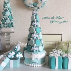 本物より可愛いかも♡クレイマカロンでウェディング小物を簡単DIY* | marry[マリー] Hot Air Balloon Cake, Donut Tower, Tiffany Wedding, Macaroons, Baby Shower Cakes, Cake Art, Holidays And Events, Quinceanera, Wedding Cakes