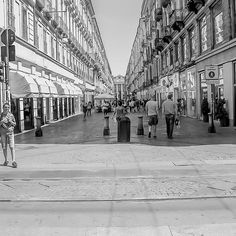 Untitled Louvre, Photos, Street View, Building, Instagram Posts, Travel, Photo Black White, Viajes, Buildings