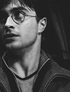 Daniel Radcliffe as Harry Potter Harry Potter Tumblr, Harry James Potter, Images Harry Potter, Arte Do Harry Potter, Theme Harry Potter, Yer A Wizard Harry, Harry Potter Aesthetic, Harry Potter Cast, Harry Potter Universal
