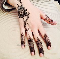 Floral Latest Mehndi Designs 2019 For Hands, There is the growing trend of mehndi designs, also known as henna tattoo designs which is now the main element for women. Cute Henna Designs, Henna Tattoo Designs Simple, Floral Henna Designs, Finger Henna Designs, Mehndi Designs For Fingers, Latest Mehndi Designs, Mehandi Designs, Simple Henna, Unique Henna