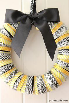 Corona de Navidad decorada con washi tape de Create Craft Love