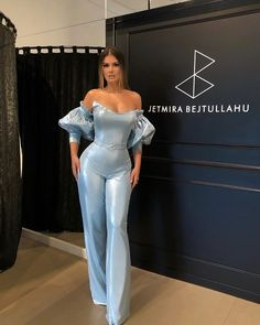 12 Most Beauteous Dresses For Ladies - Latest Women Gowns Here are the most good looking wedding dress or gowns for women and they are so Wedding Gowns Online, Unique Wedding Gowns, Wedding Dresses For Girls, Designer Wedding Dresses, Girls Dresses, Wedding Outfits, Ashley Clothes, Jumpsuit With Sleeves, Mermaid Gown