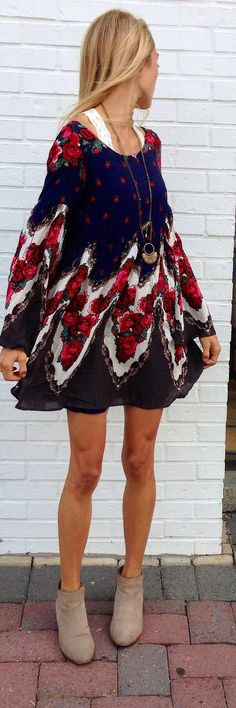 Lovely floral flowy mini dress fashion