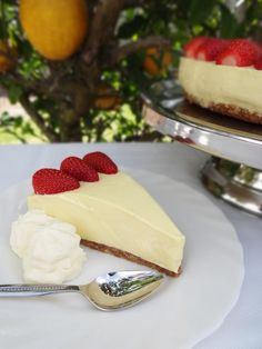 Lemon Cheesecake Recipe – I ACTUALLY made this!!! it was absolutely delicious and looked just like the pic :)