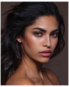 Indian Skin Makeup, Tan Skin Makeup, Indian Bridal Makeup, Makeup For Green Eyes, Blue Eye Makeup, Hair Makeup, Indian Makeup Natural, Indian Makeup Simple, Brown Eyes Makeup