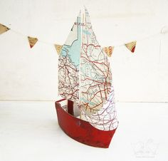 Book Boat with Vintage Map Paper Sails - Recycled books and papers. Globe Art, Map Globe, Recycled Books, Recycled Art, Arts And Crafts, Paper Crafts, Diy Crafts, Beach Crafts, Book Boat