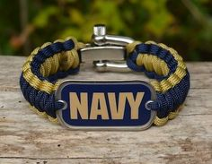 This is the officially licensed Regular Survival Bracelet of the U.S. Navy! Made from super strong military spec paracord and an authentic military dog tag. Perfect for showing your support for our troops!