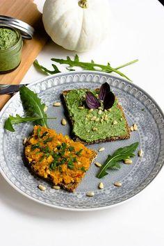 Kürbis-Nuss Aufstrich und Rucola-Parmesan Aufstrich. Zwei leckere und schnell gemachte Brotaufstriche,die man auch wunderbar als Dip servieren kann.