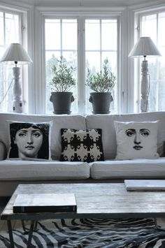 ♥ I want these pillows for my Black and White Room!! ♥