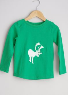 Le chouchou de ma boutique https://www.etsy.com/ca/listing/254368660/green-long-sleeve-reindeer-upcycled-top