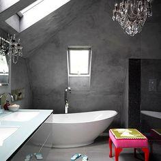 dachgeschoss beton wand kronleuchter modernes bad