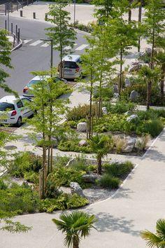 La Place Franco-Mauresque et ses jardins de Rocaille