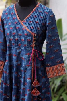 pintucked anghrakha – the tulip & the cosmic twilight pintucked anghrakha – die tulpe & das kosmische dämmerlicht Neck Designs For Suits, Dress Neck Designs, Stylish Dress Designs, Designs For Dresses, Stylish Dresses, Simple Dresses, Blouse Designs, Fashion Dresses, Salwar Designs