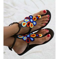 Sandals Summer Beaded Sandals / summer / Colors - There is nothing more comfortable and cool to wear on your feet during the heat season than some flat sandals. Barefoot Sandals Crochet, Beaded Sandals, Greek Sandals, Bare Foot Sandals, Flat Sandals, Gladiator Sandals, Tong Cuir, Bohemian Sandals, Womens Summer Shoes