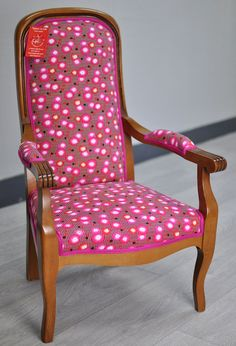 """Fauteuil Voltaire enfant - tissu """"Petit Pan"""" - passepoil Houlès Chair, Furniture, Home Decor, Tapestry, Fabric, Kid, Decoration Home, Room Decor, Home Furnishings"""