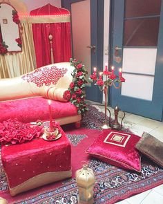 The decor kinadekorasyo # # # kuna decor dekoration # # # ladysnight hennanight henna # # # wedding dà . Henna Night, Flower Henna, Simple Henna, Ladies Night, Hand Henna, Like4like, Gift Wrapping, Bride, Wedding Dresses