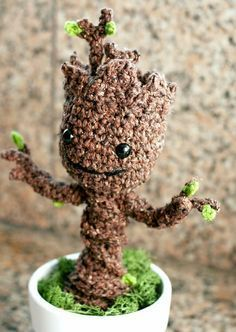 Groot crochet pattern - http://blog.twinkiechan.com/2014/08/13/free-crochet-pattern-potted-baby-groot-from-guardians-of-the-galaxy/