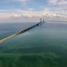 Mackinac Bridge connecting lower and upper pennisulas of Michigan.