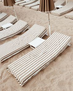 These chairs are perfect for chillen out at the beach!