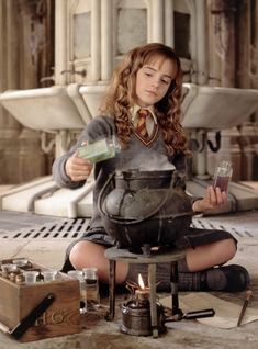 Emma Watson may be playing Belle now, but she has some feelings on whether she'd ever reprise her Harry Potter role. Hermione Granger, Harry Potter Hermione, Estilo Harry Potter, Mundo Harry Potter, Harry Potter Tumblr, Harry Potter Pictures, Harry Potter Fandom, Harry Potter Characters, Harry Potter World