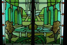 Camaïeu de vert.  Détail de vitrail -  Musée départemental Maurice Denis